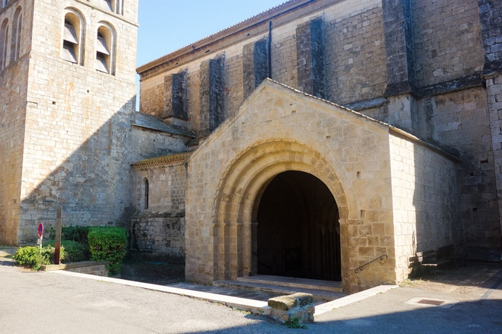 caunes minervois abbaye